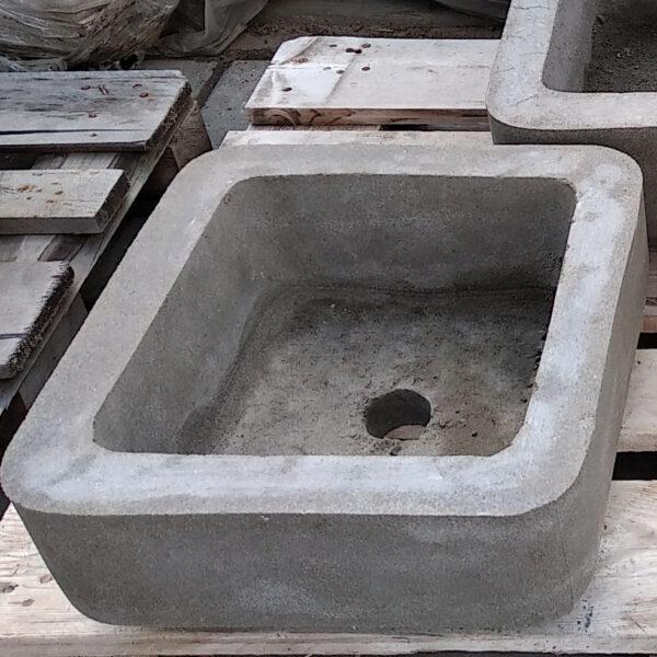 Вазон бетонный №15